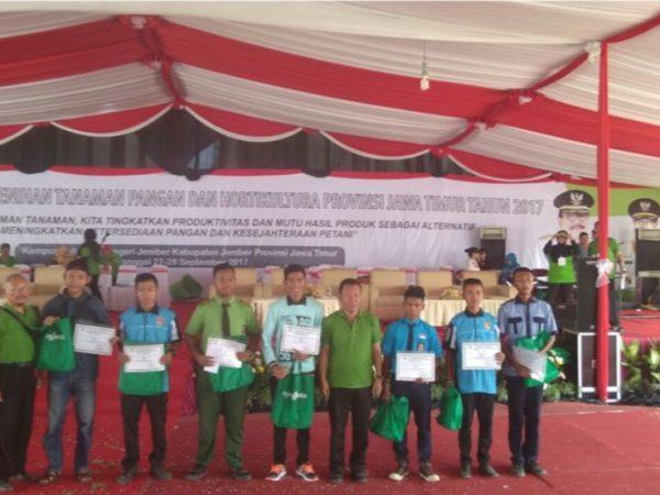 Juara 1 Lomba Merangkai Tanaman Bunga-Buah Meja Tingkat Provinsi